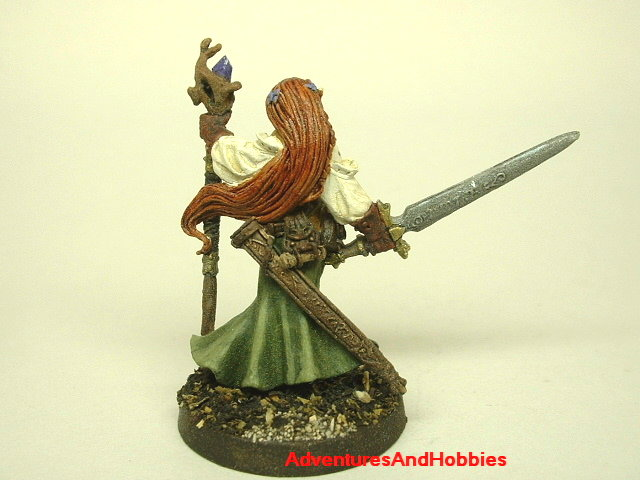 Female Elven Magic User and Warrior with longsword and crystl staff painted fantasy miniature 25mm - rear